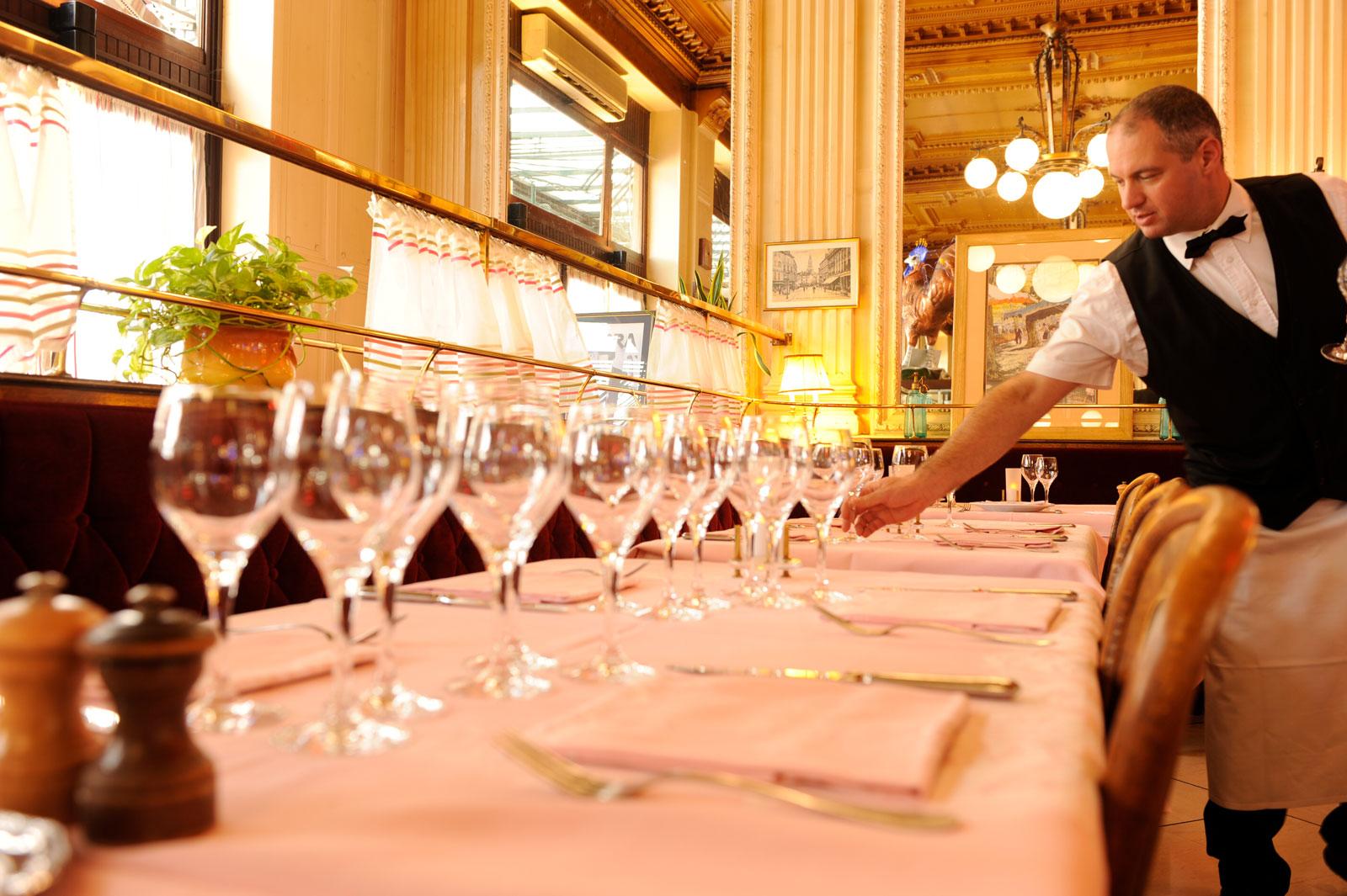 Brasserie le fran ais bourg en bresse - Mise en place table restaurant ...